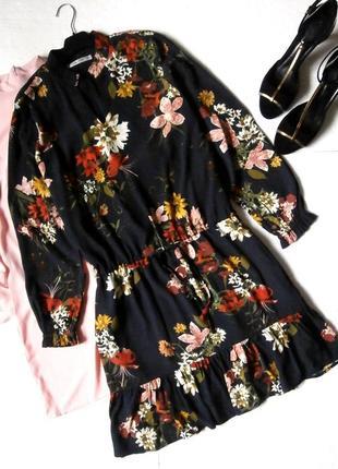 Стильное платье с рюшей воланом, платье в цветочный принт