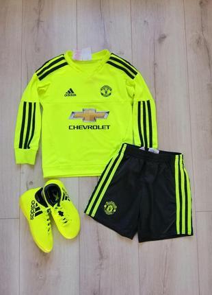 Adidas футбольный костюм 4-5 лет