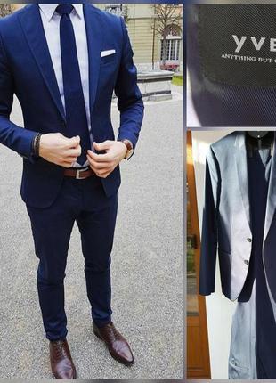 Фирменный качественный натуральный стильный костюм.