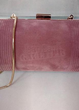 Стильный брендовый клатч пудрового цвета