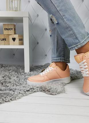 Кроссовки на толстой подошве форсы нежно персикового абрикосового цвета 36-41р