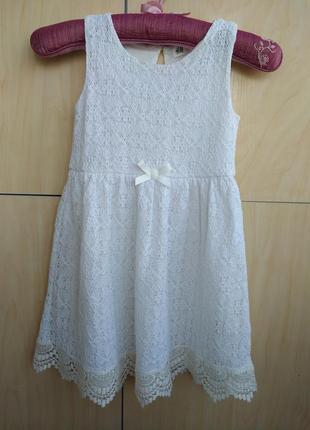 Кружевное платье h&m на 6-8 лет