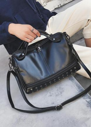 Черная вместительная сумка на коротких ручках + плечевой ремень
