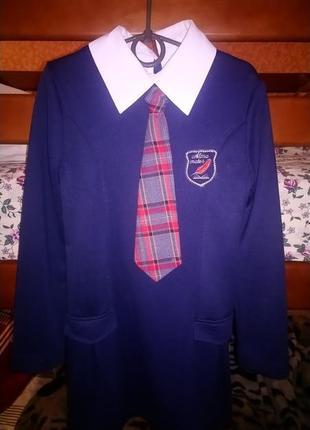 Школьное платье с галстуком