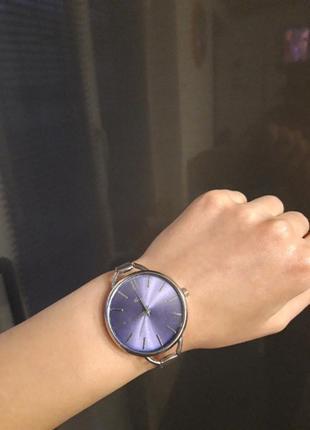 Шикарний елігантний годинник