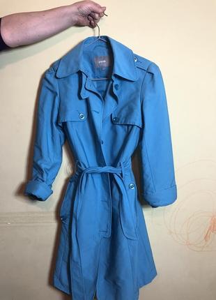 Шикарный голубой плащ ostin