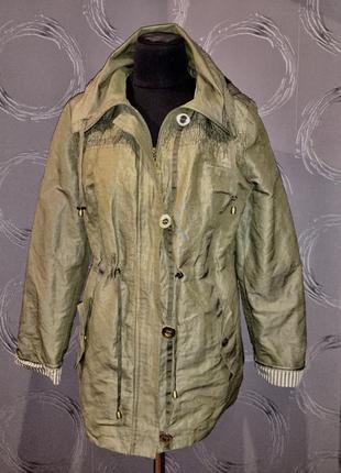 Легкая демисезонная куртка uk 14