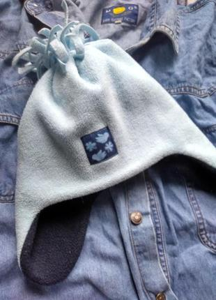 Флисовая детская шапка нежно-голубого цвета