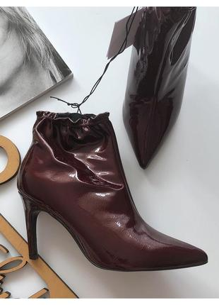 Новые лаковые ботинки ботильоны reserved pp 38