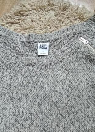 Фирменный свитер5 фото