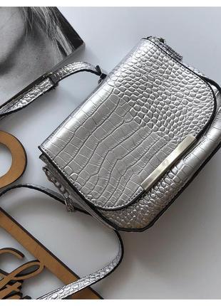 Новая серебряная сумка кросс боди sinsay