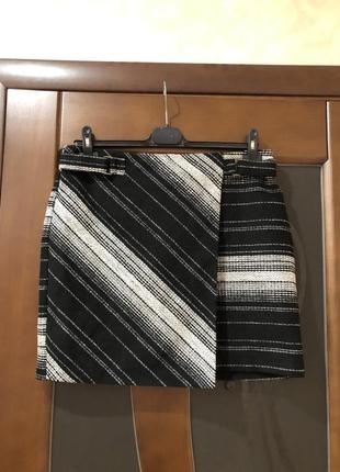 Твидовая юбка-карандаш назапах от бренда george с этикеткой