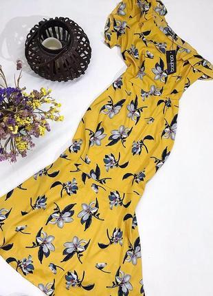 Цветочное платье на одно плечо с рюшей