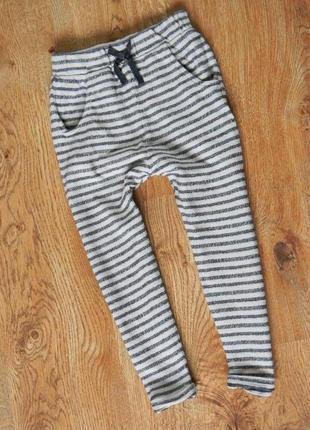 Легкие спортивные штаны от нексти на 3-4 годика