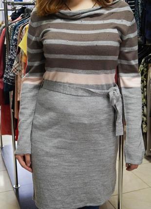 Теплое платье с декором kiabi woman... все по 300 грн.