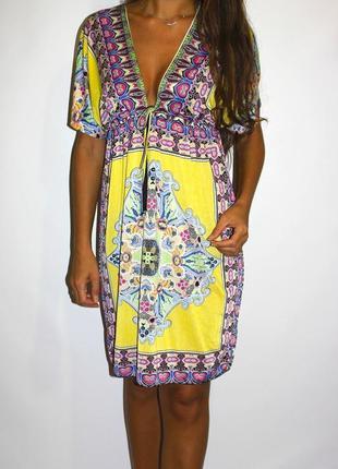Насыщенное яркое платье в орнаментах ! -- срочная уценка --