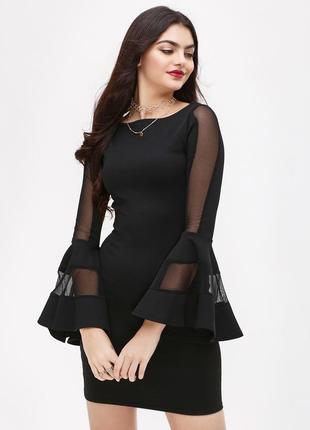Платье по фигуре со вставками из сеточки