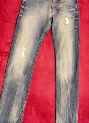 Женские джинсы от guess. американский дорогой бренд. размер 28 , будут на м.2