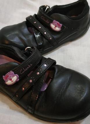 Туфельки туфли на 26 размер, clarks
