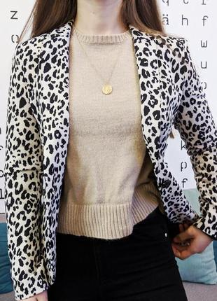 Леопардовый белый пиджак жакет блейзер в принт h&m