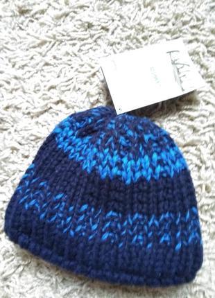 Фирменная новая шапка