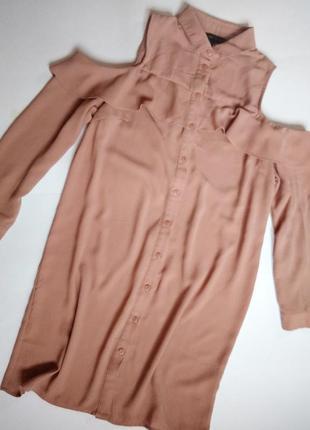 Пыльно розовое платье-рубашка с оборками