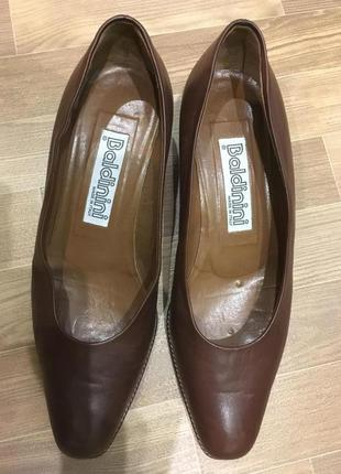 Туфли baldinini р-р.36
