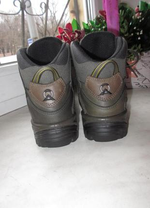 Кожаные деми ботинки lowa gore-tex 37 р4 фото