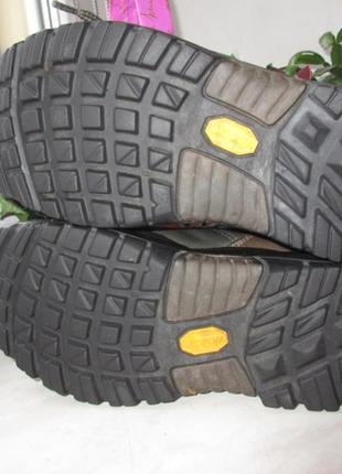 Кожаные деми ботинки lowa gore-tex 37 р6 фото