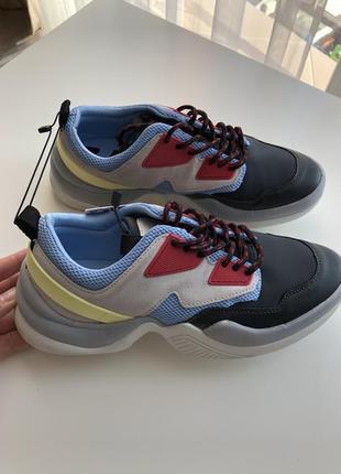 Новые кроссовки zara 35,36,37,размер1