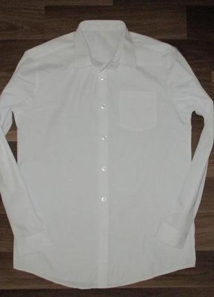Беленькая рубашечка с длинным рукавом фирмы джорж на 13-14 лет