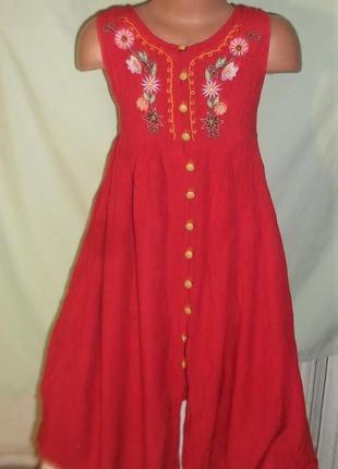 Платье с вышивкой на 8лет1 фото