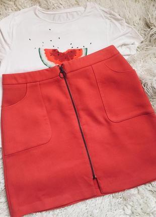Безумно красивая юбка трапеция на замке
