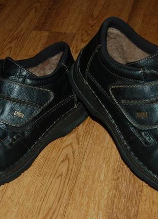 Кожаные ботинки на цигейке на мембране 44 р rieker tex отличное состояние