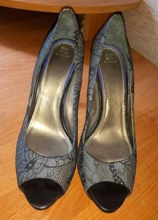Красивые нарядные женские туфли бренд navyboot