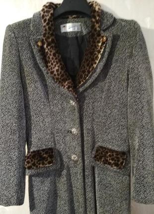 Классное, демисезонное пальто, р.46-48 (m-l)