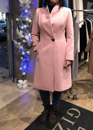 Шикарное красивое пальто