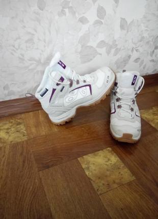Крутые ботинки кроссовки