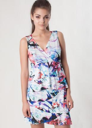 Платье rinascimento р.s, m. новое, италия