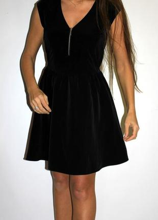 Черное платье с молнией на груди -- срочная уценка платьев 300 ед --