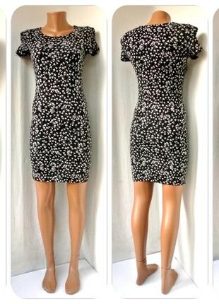 Брендовое облегающее  платье primark с  бело-черным принтом. размер uk8/36 (s,наш 42).