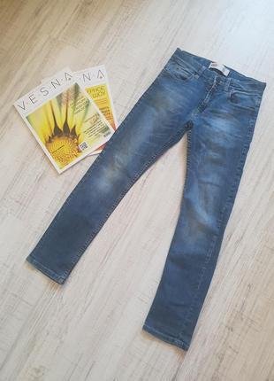 Брендовые классические джинсы