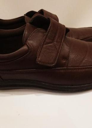 Туфли на липучках. сток.