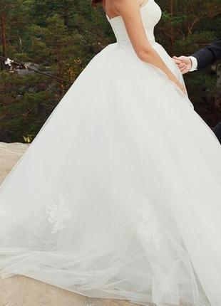 Пышное свадебное платье айвори с корсетом