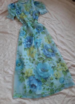 Трендовое платье в цветочный принт с воланами от vera mont