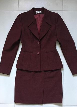 Женский элегантный костюм с блузой цвета марсала pretty one