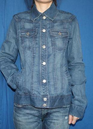 Трендовая удиненная джинсовая куртка, бренд tcm, размер m
