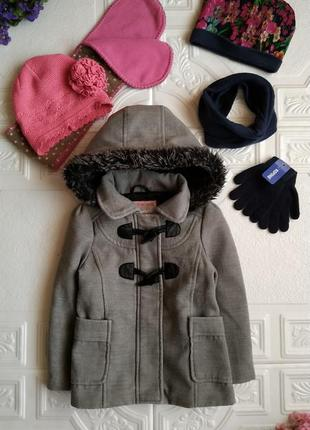 Пакет фирменных вещей (пальто, шапки, шарф, бафф и перчатки)