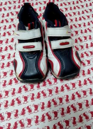 Детские кроссовки2