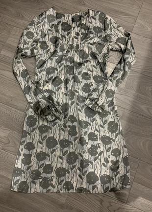 Нарядное шелковое атласное платье